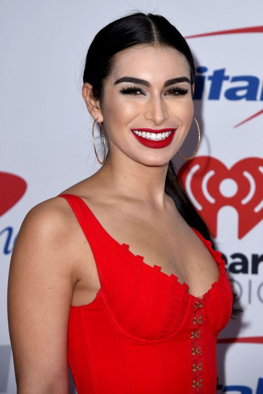 ASHLEY IACONETTI at Kiis FM's Jingle Ball in Los Angeles 12/01/2017