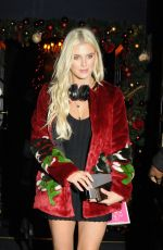 ASHLEY JAMES at Style Icon Nat