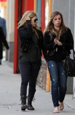 AVRIL LAVIGNE Out Shopping in Los Angeles 12/10/2017