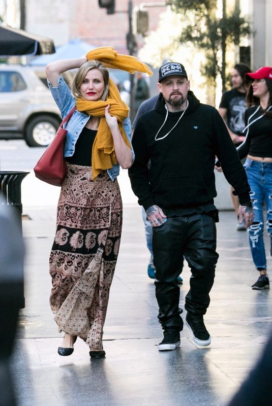 CAMERON DIAZ and Benji Madden Out in Los Angeles 12/25/2017