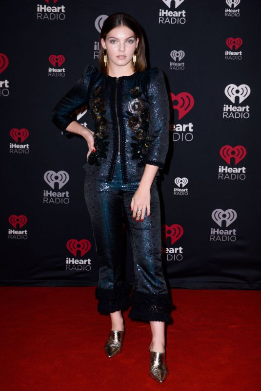 CAMREN BICONDOVA at Iheartradio Jingle Ball in Toronto 12/09/2017