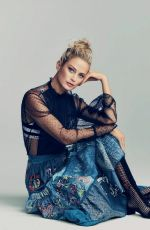CAROLYN MURPHY in Harper's Bazaar Magazine, Spain January 2018