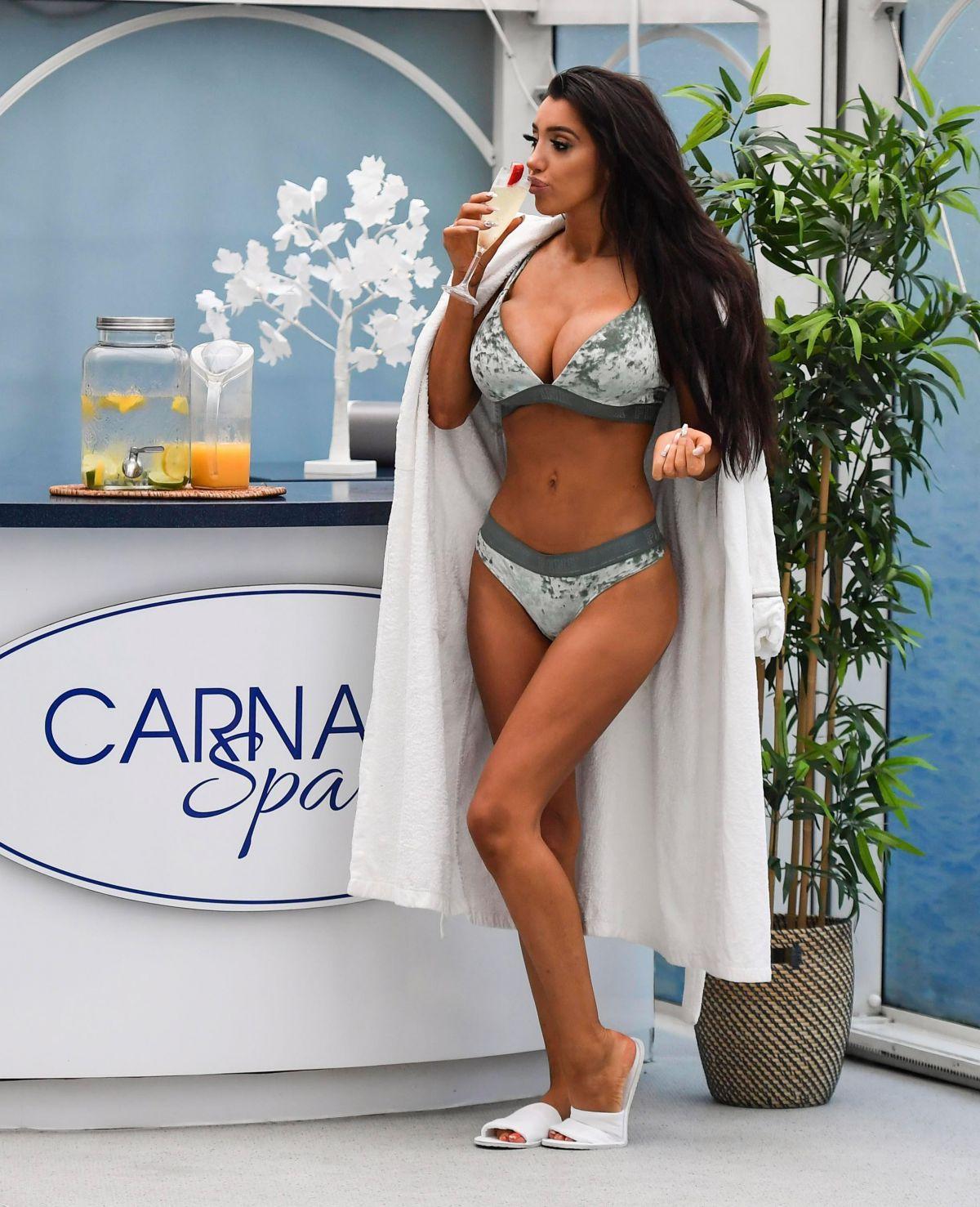 Chloe Khan in Bikini at Carnatic Spa in Liverpool Pic 15 of 35
