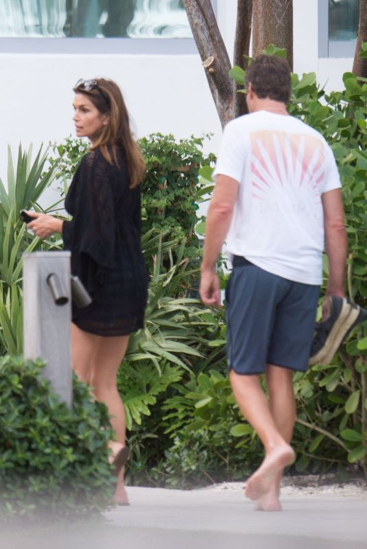 Acquavilla additionally Autoload News 25 also 1442 Tanager Way 90069 likewise Prince additionally Cindy Crawford And Rande Gerber Out In Miami 12 07 2017. on minotti los angeles