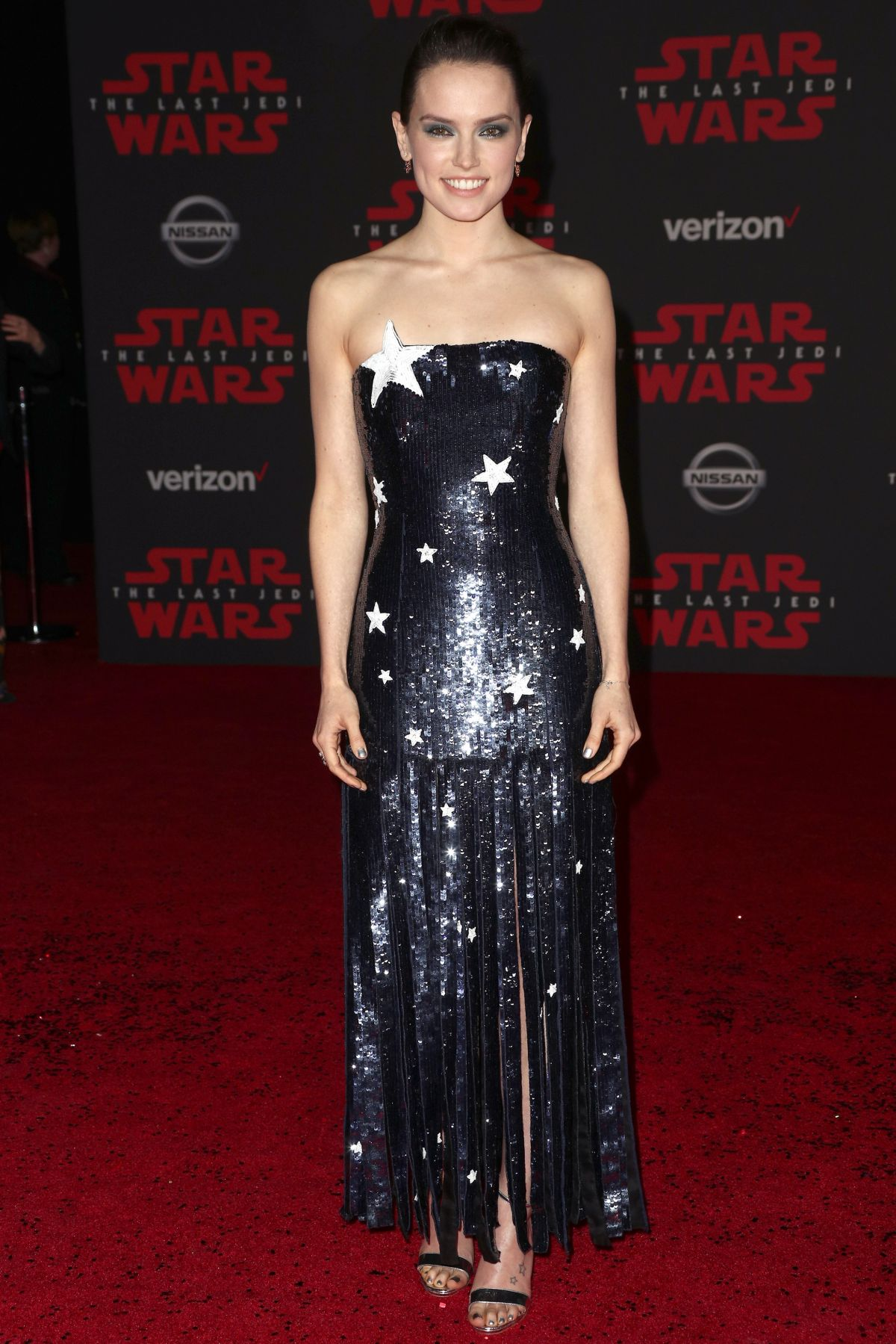 Daisy Ridley At Star Wars The Last Jedi Premiere In Los