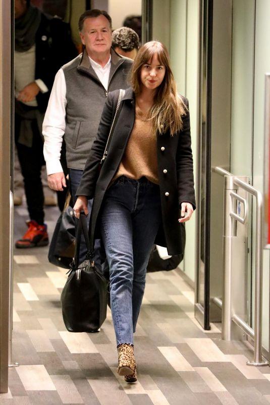DAKOTA JOHSNON Arrives in Colorado 12/19/2017