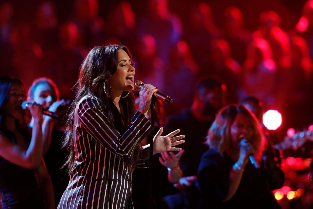 Demi Lovato Performs At The Voice Live Finale