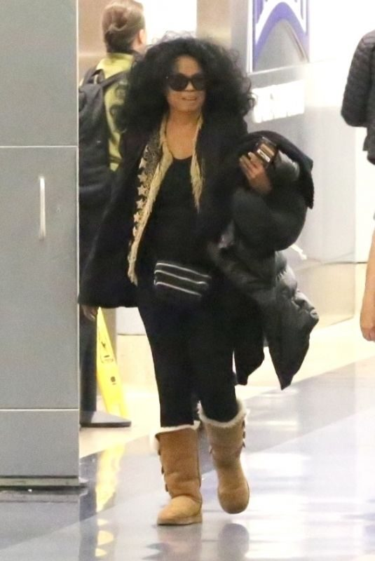 DIANA ROSS Arrives at Los Angeles International Airport 12/30/2017