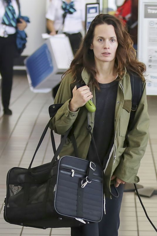 ELIZABETH REASER at LAX Airport in Los Angeles 11/29/2017