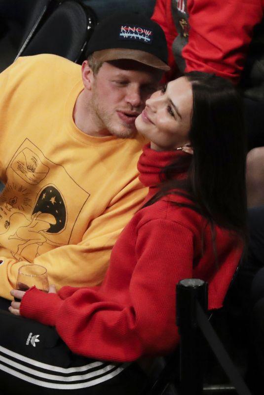 EMILY RATAJKOWSKI at Oklahoma City Thunder vs NY Knicks Game in New York 12/16/2017