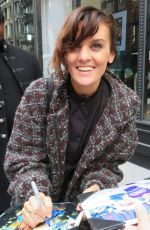 FRANKIE SHAW Arrives at Build Studios in New York 12/04/2017