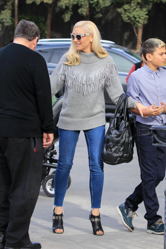 GWEN STEFANI Out and About in Los Angeles 12/10/2017