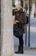 GWEN STEFANI Out for Lunch in Studio City 12/22/2017