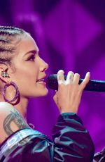 HALSEY Performs at Iheartradio 102.7 Kiis FM's Jingle Ball in Los Angeles 12/01/2017