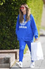 HEIDI KLUM Shopping for Christmas Gifts in West Hollywood 12/22/2017