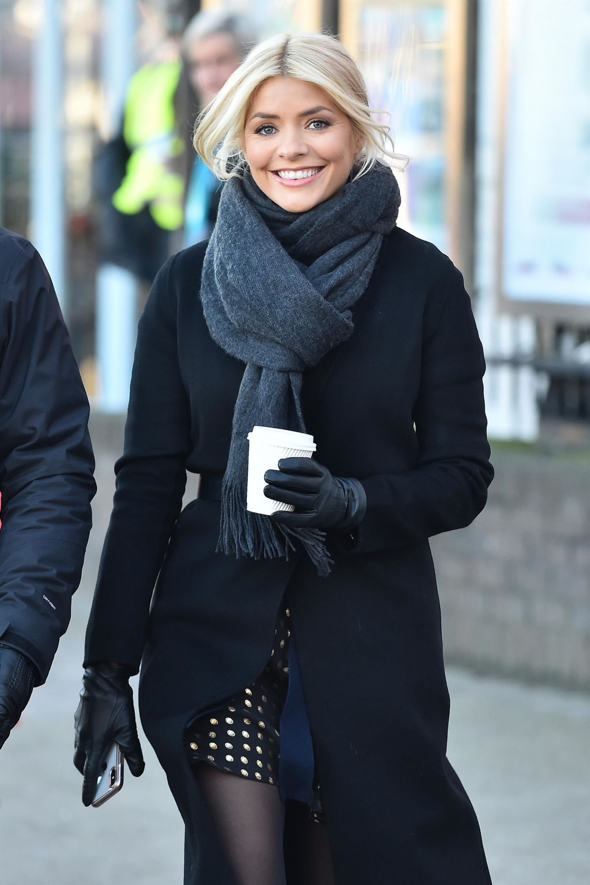 holly willoughby - photo #33