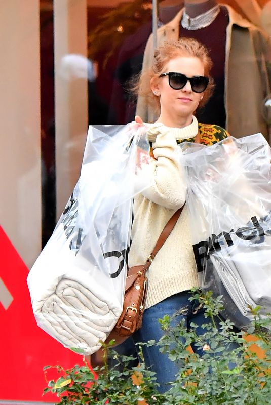 ISLA FISHER Shopping at The Grove in Los Angeles 12/31/2017