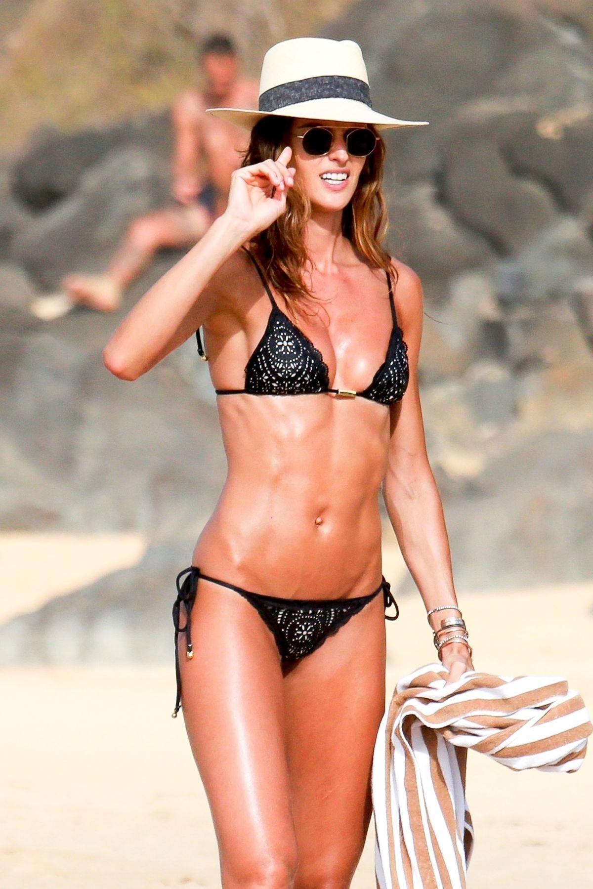 Izabel Goulart in Bikini and Kevin Trapp on the beach in Fernando de Noronha Pic 26 of 35
