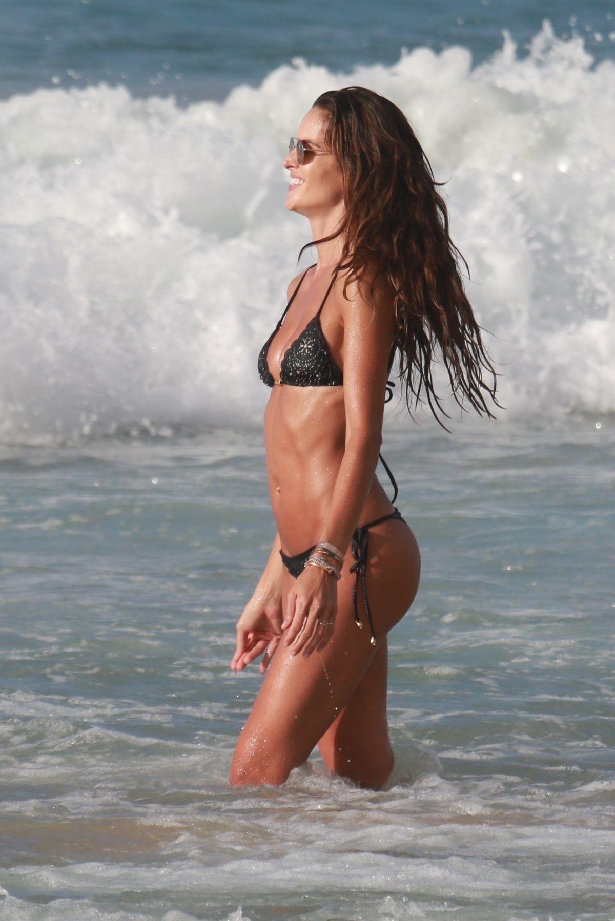Izabel Goulart in Bikini and Kevin Trapp on the beach in Fernando de Noronha Pic 31 of 35