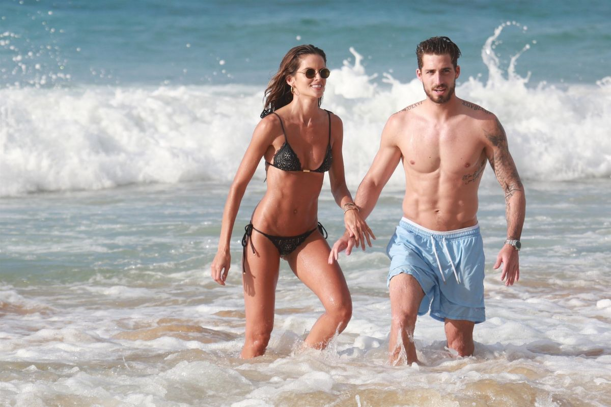 Izabel Goulart in Bikini and Kevin Trapp on the beach in Fernando de Noronha Pic 10 of 35