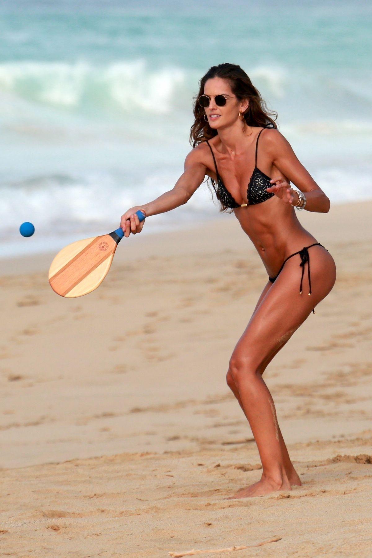 Izabel Goulart in Bikini and Kevin Trapp on the beach in Fernando de Noronha Pic 11 of 35