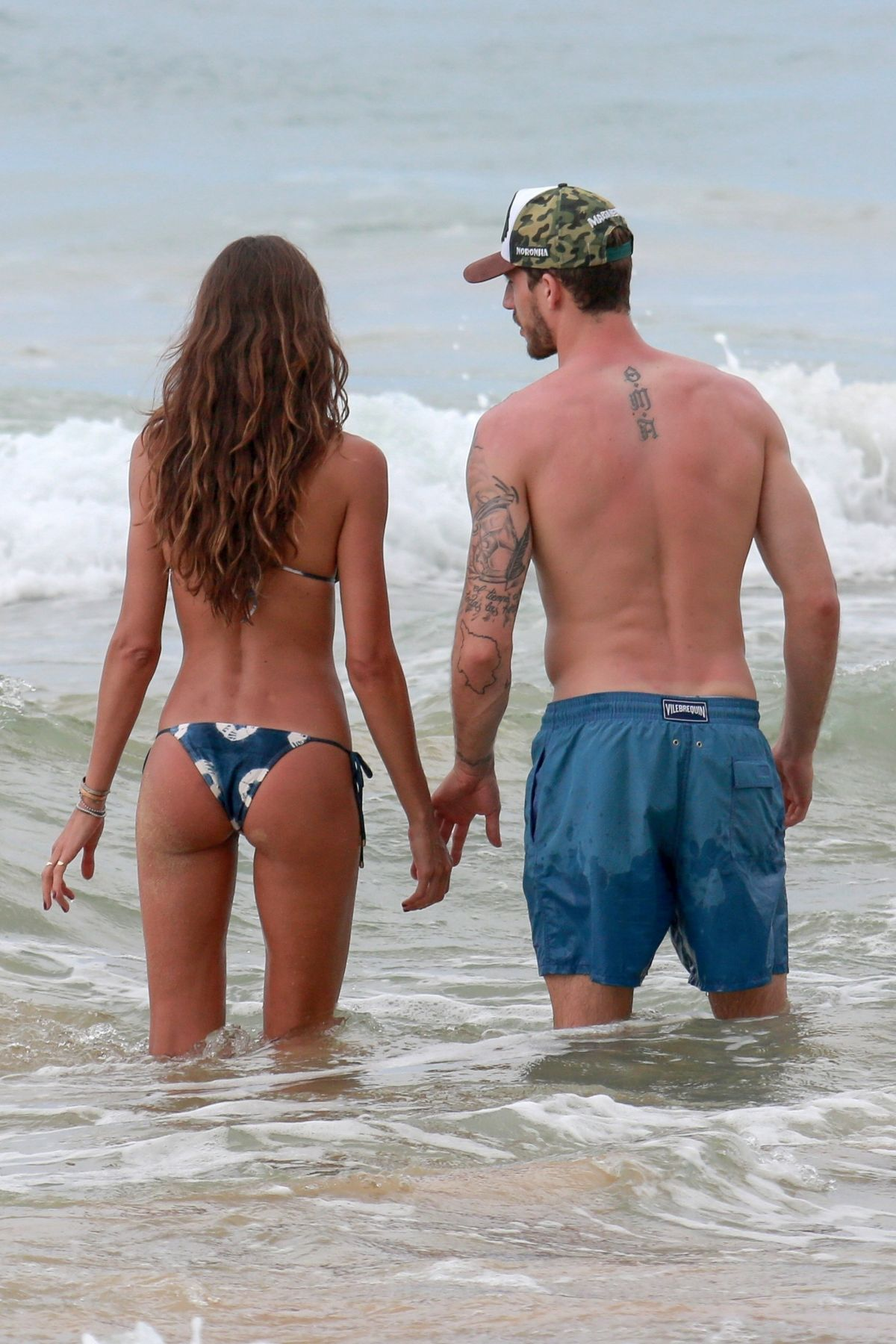 Izabel Goulart in Bikini and Kevin Trapp on the beach in Fernando de Noronha Pic 1 of 35
