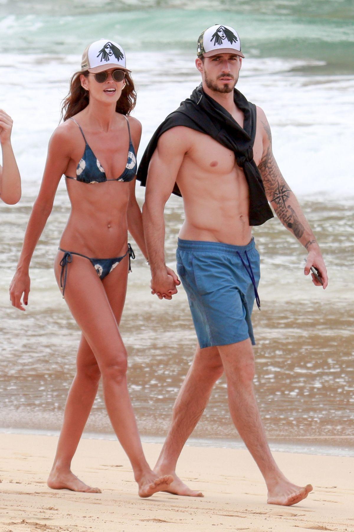 Izabel Goulart in Bikini and Kevin Trapp on the beach in Fernando de Noronha Pic 29 of 35