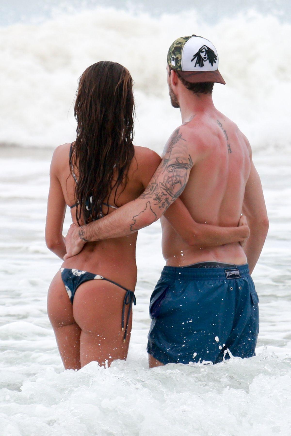 Izabel Goulart in Bikini and Kevin Trapp on the beach in Fernando de Noronha Pic 17 of 35