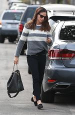 JENNIFER GARNER Heading to a Church in Pacific Palisades 12/10/2017