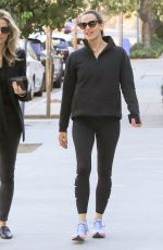 JENNIFER GARNER Out and About in Los Angeles 12/07/2017