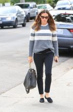 JENNIFER GARNER Out and About in Los Angeles 12/10/2017
