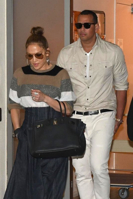 JENNIFER LOPEZ and Alex Rodriguez Out for Lunch at South Beverly Grill in Beverly Hills 12/29/2017