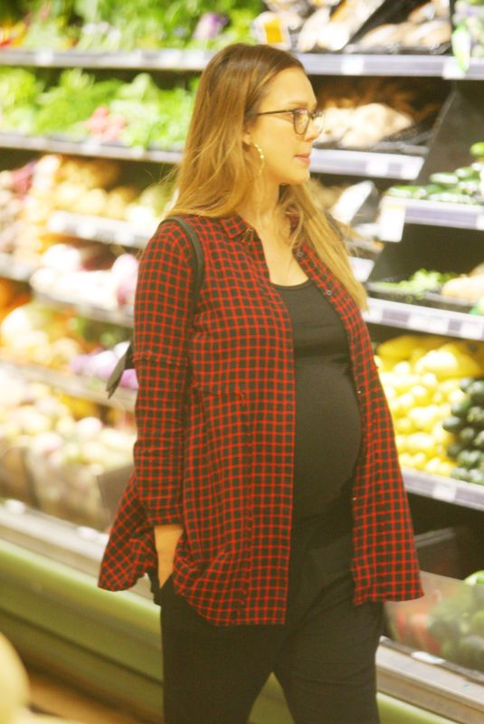 JESSICA ALBA Shopping for Grocery in Beverly Hills 12/11/2017