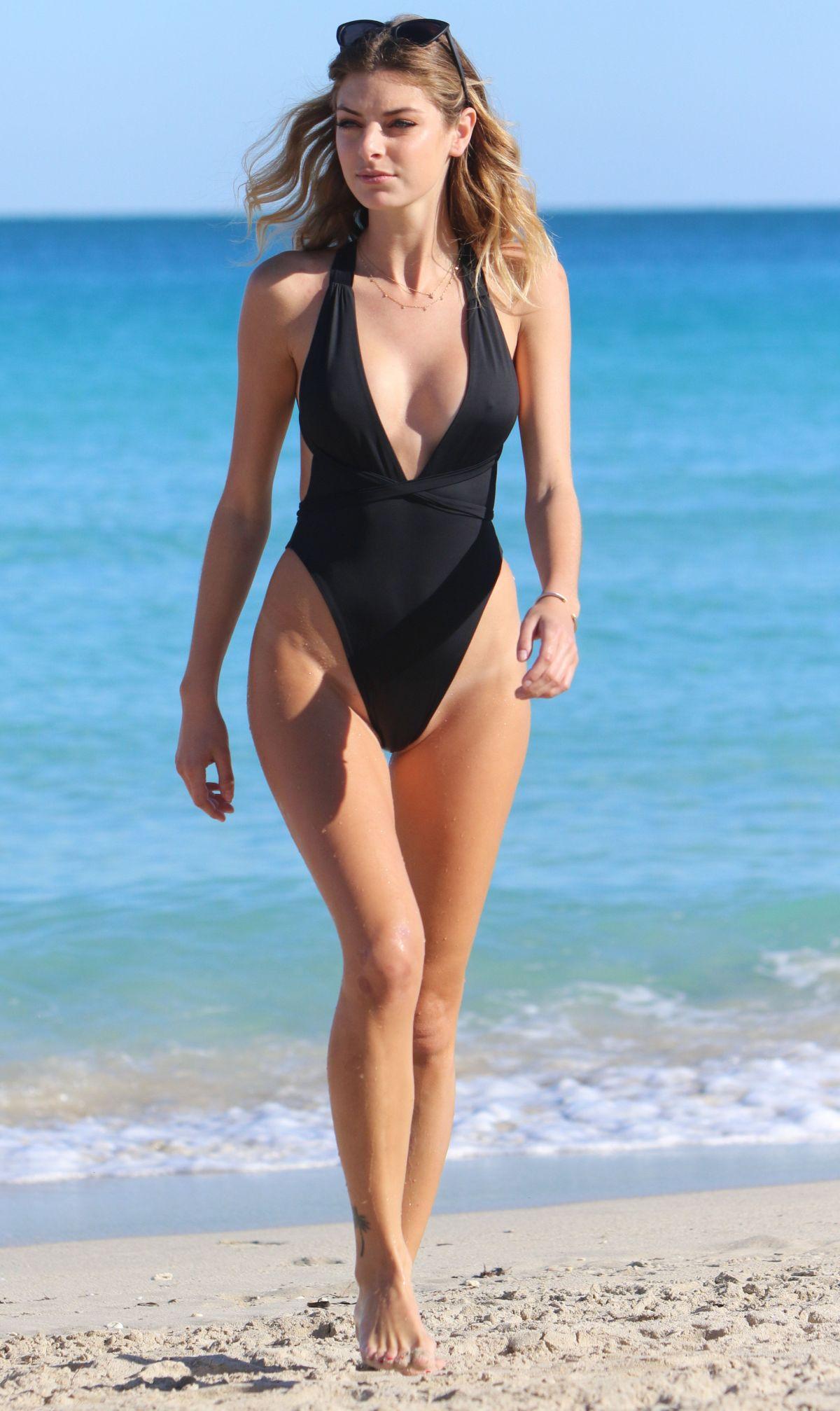 Celebrites Natalie MCelebritesenet nudes (37 images), Leaked