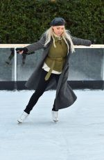 JOTGIE PORTER Ice Skating at This Morning Show at an Open Air Rink in London 12/12/2017