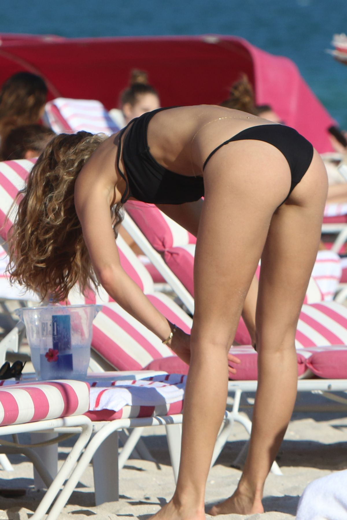 Lucy Aragon in Bikini does yoga on the beach in Miami Pic 7 of 35