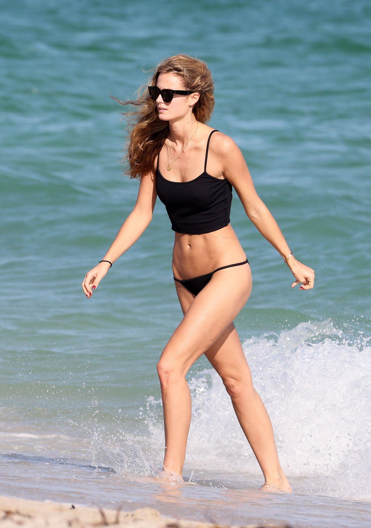 Kate Bock Bikini candids at the beach in Miami Beach Pic 26 of 35