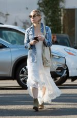 KATE HUDSON at Electric Lodge in Venice Beach 12/19/2017
