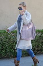 KATE HUDSON Out and About in Los Angeles 12/21/2017
