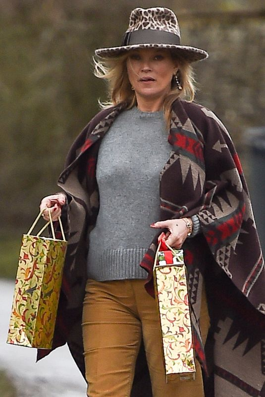 KATE MOSS Out and About in London 12/24/2017