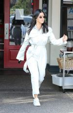 KOURTNEY KARDASHIAN Out and About in Calabasas 12/26/2017