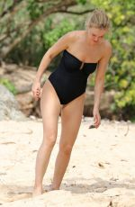 LARAQ BINGLE in Swimsuit on the Beach in Hawaii 11/24/2017