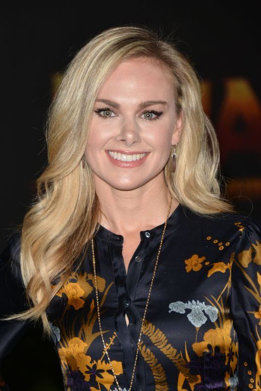 LAURA BELL BUNDY at Jumanji: Welcome to the Jungle Premiere in Los Angeles 12/11/2017