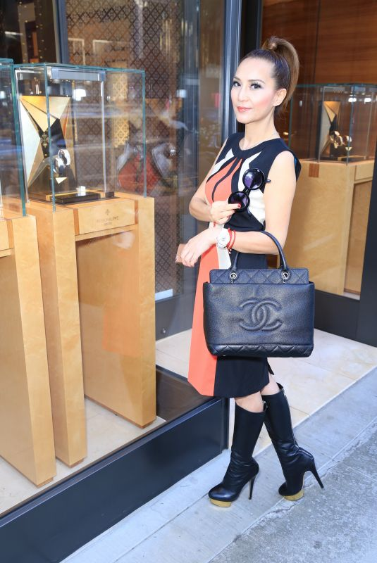 LILY LISA Out on Rodeo Drive in Beverly Hills 12/30/2017
