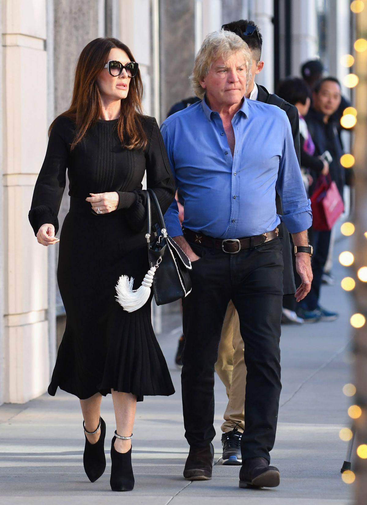 LISA VANDERPUMP and Ken Todd Out in Los Angeles 12/15/2017 – HawtCelebs