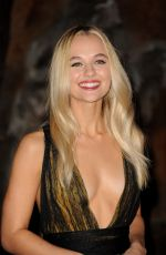 MADISON ISEMAN at Jumanji: Welcome to the Jungle Premiere in Los Angeles 12/11/2017