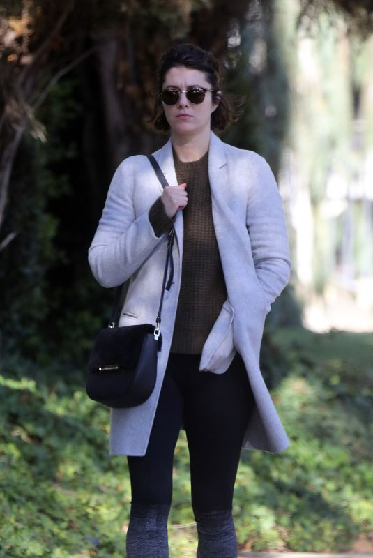 MARY ELIZABETH WINSTEAD Out for Breakfast in Los Angeles 12/21/2017
