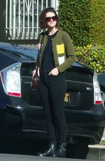 MARY ELIZABETH WINSTEAD Out for Lunch in Los Angeles 12/05/2017