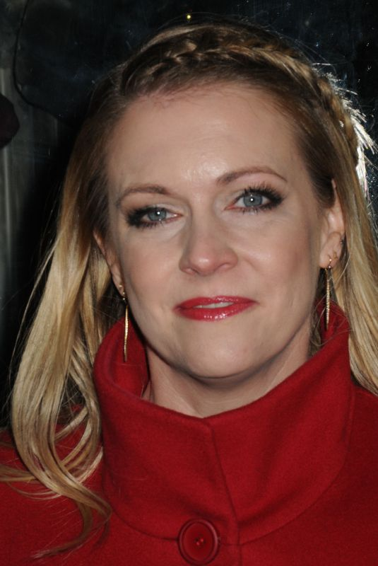 MELISSA JOAN HART Unveils Duracell Holiday Window in New York 12/14/2017