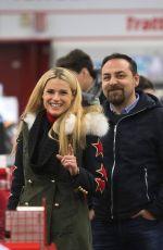 MICHELLE HUNZIKER Buys a Drone in a Store in Milan 12/04/2017